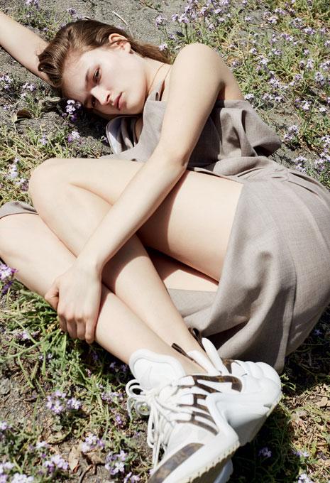 137_Vogue_04_18_01-4