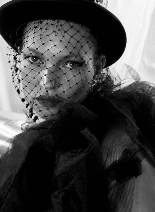 Kate-Moss-x-Lisa-Butler-11
