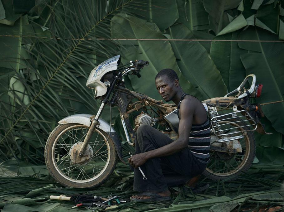 WaterAid-Tombos-Wound-Sierra-Leone-Joey-L-015